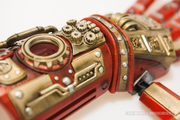 Close up of the steampunk hand