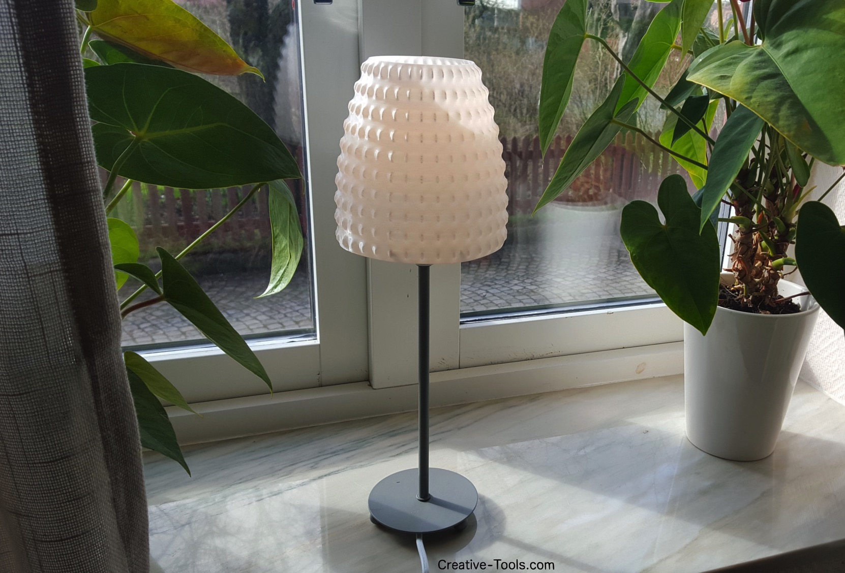 3D-printable lampshade for standard light fixture